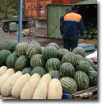 Арбузы на рынках Барнаула. Фото ИА Фергана.Ру