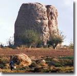 Исполинская ступа Зурмала в окрестностях Термеза. Фото ИА Фергана.Ру