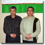 Узбекские беженцы. Справа - Улугбек Зайнабидинов. Фото ИА Фергана.Ру
