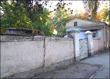 Городской дувал – забор «русского» дома в Фергане
