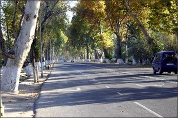 Широкие улицы Ферганы. Фото ИА Фергана.Ру, 2005