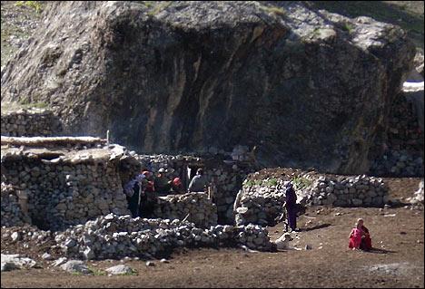 Летовка жителей кишлака Маргузор. Фото А.Мазаева