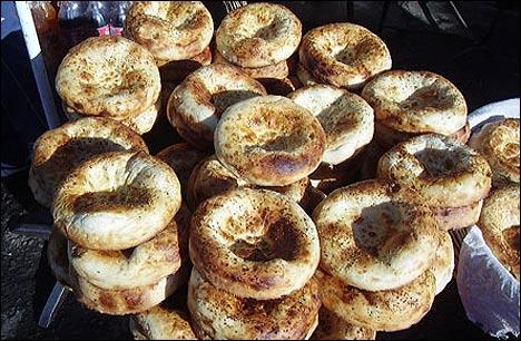 Узбекские лепешки. Фото с ИА Фергана.Ру