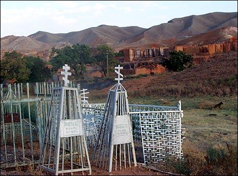 Православное кладбище в Шуробе. Фото Игоря Ротаря