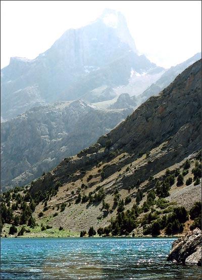 Вершины Адамташ и Мирали. Фото автора