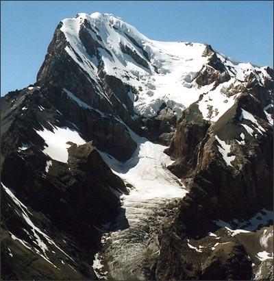 Высшая точка района, вершина Чимтарга. Фото автора