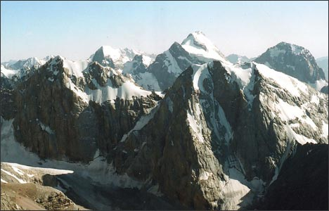 Скальные стены. Фото автора
