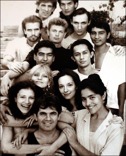 Марк Вайль с актерами Ильхома