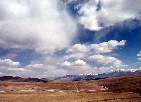 Там, за горами – Иркештам и Китай. Фото ИА Фергана.Ру