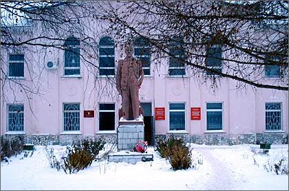 Здание администрации Антропово. Фото автора