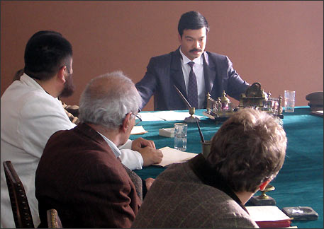 Последнее заседание правительства Республики Туркестан перед штурмом столицы республики, Коканда, Красной Армией. Сцена из фильма