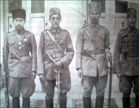 Лидеры националь-освободительного движения (справа налево): Нурматбек, Молла Хатем, Шерматбек и Назир Кабави