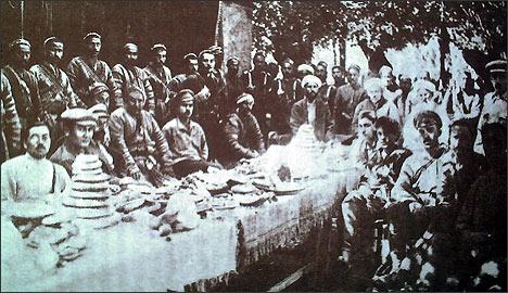 Мирные переговоры между басмачами и представителями советской власти. г. Фергана, лето 1921 г.