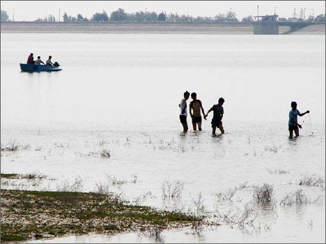 Ташкентское море в районе дамбы