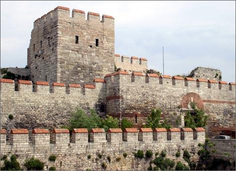 Городская стена Стамбула, XIV-XVI вв.