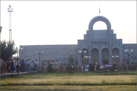 Вокзал в Кагане