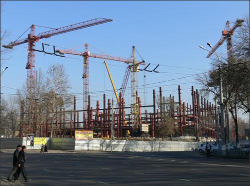 Строительство Дворца форумов, Ташкент, январь 2009 г.