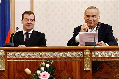 Medvedev and Karimov in Tashkent