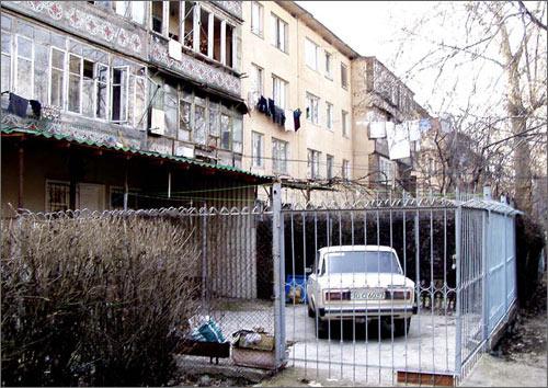 Типичная пристройка к жилому дому в Ташкенте