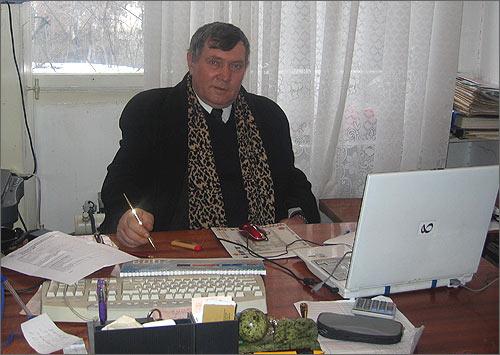 Директор профтехучилища Виктор Гладков