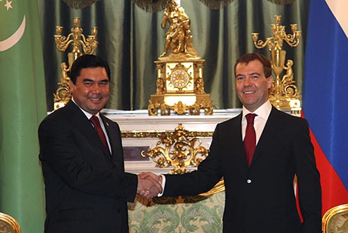 Presidents Gurbankuly Berdymuhammedov and Dmitry Medvedev