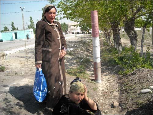 Муяссара Очилова и Дилбар Исоева