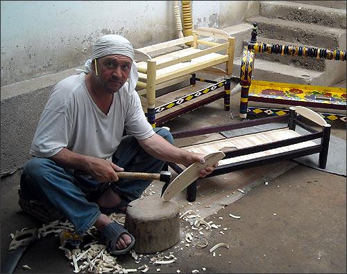 Carpenter Abdumannon Ochilov