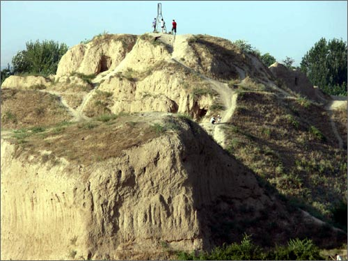Городище Ак-Тепа на Юнус-Абаде
