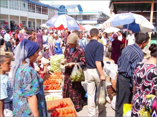 Воскресный базар в Паркенте