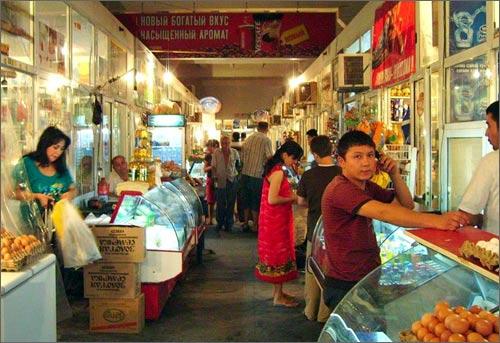 На продуктовых ранках Ташкента отоваривается большинство горожан