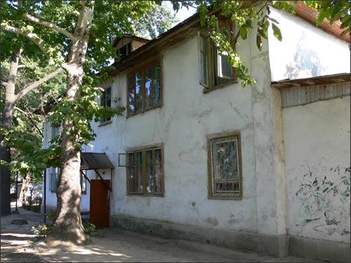 Ташкент, улица Маннона Уйгура, дом 5