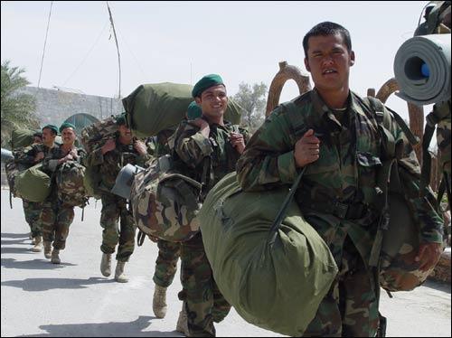Солдаты Афганской Национальной гвардии