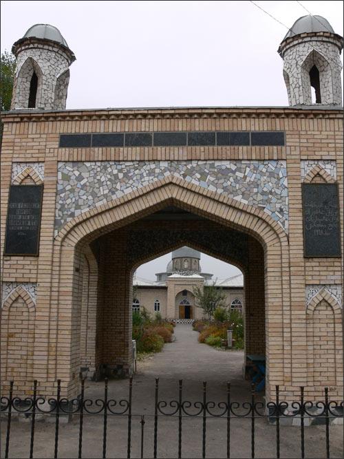 Мечеть в Газалкенте, построенная на деньги Юлдаша