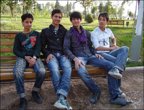 Душанбе. Молодежь в парке Рудаки