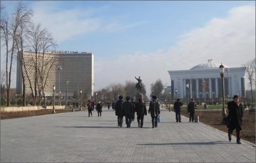 Ташкентский Сквер, 11 декабря 2009 года
