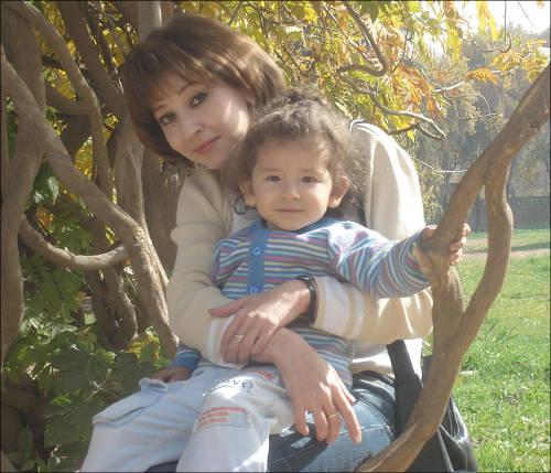 Дина с мамой