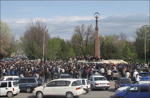 Митинг в Джалал-Абаде