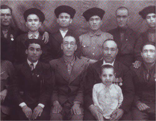 Дед великого Президента Туркменистана среди своих коллег