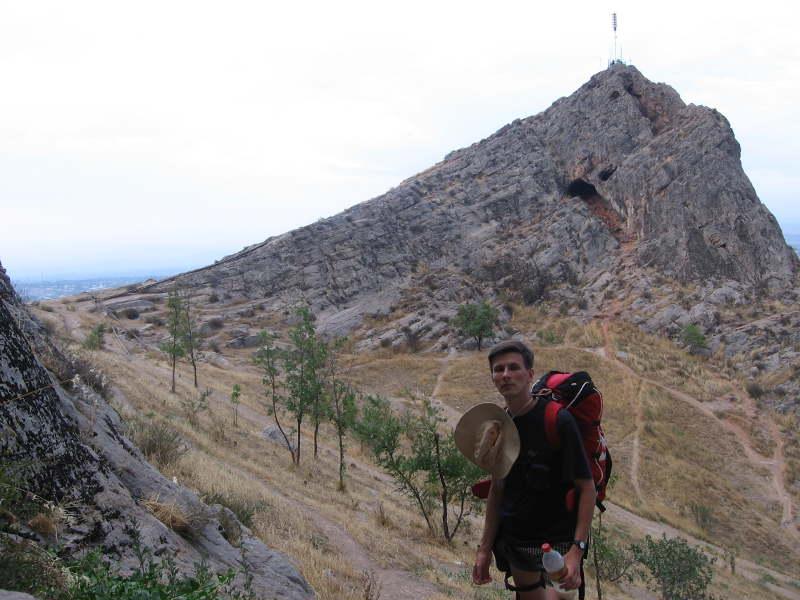 Дмитрий Попов на Сулейман-горе в Оше (Кыргызстан)