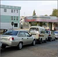 Ўзбекистонда яна бензин тақчиллиги бошланди