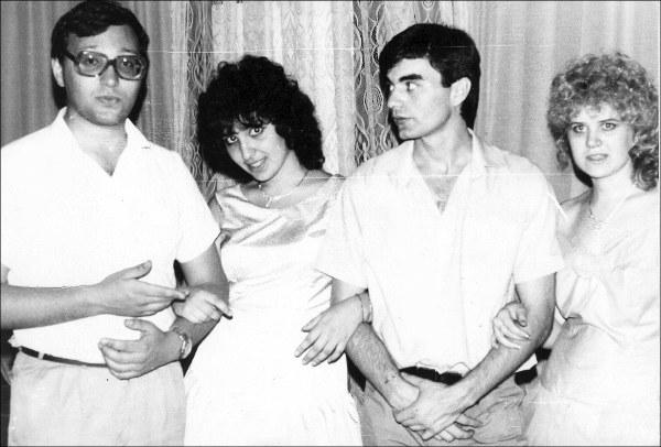 Слева направо: Алишер Таксанов, Тамила Абдуллаева (Таксанова), Петр Каримов, Марина Гузиева. Ташкент, 25 мая 1989, КИЦ.