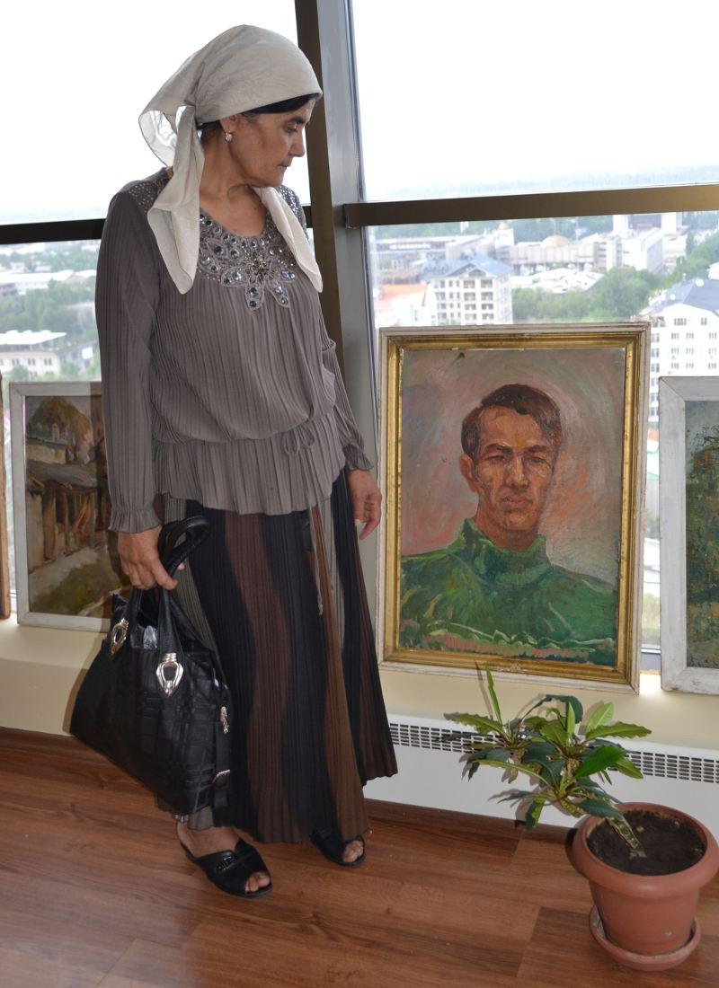 Портрет жены Азимжана Аскарова