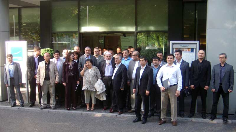 Participants du Congrès du Mouvement Populaire de l'Ouzbékistan à Berlin