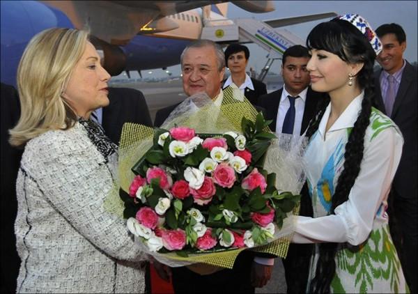 Хиллари Клинтон принимают в Ташкенте