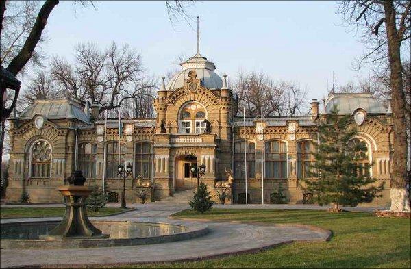 Дворец Николая Константиновича в Ташкенте. Ныне в этом здании располагается Дом приемов Министерства иностранных дел Узбекистана
