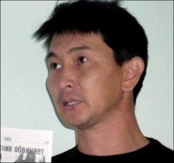 Kazakhstan: Un journaliste d'opposition grièvement blessé après une tentative d'assassinat