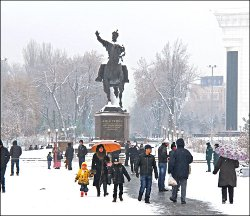 Галерея.Ферганы.Ру: Ташкент, «сквер», 1 января 2013 года