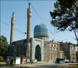 Traveling back into history: Bukharan Emirs establish and build the Grand Mosque of Saint Petersburg