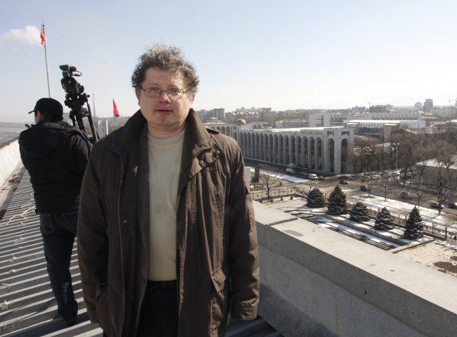 Автор книги на крыше «Белого дома»