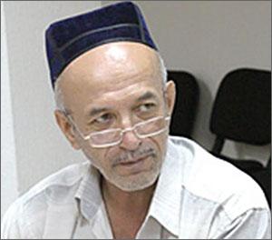 Кыргызстан: В Оше после тяжелой болезни скончался известный правозащитник Равшан Гапиров